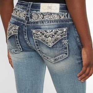Miss me signature straight stretch cuffed Jeans NW